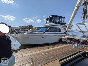 Used Chris-Craft Commander 382 Sport Sedan Sports Fishing Boat For Sale