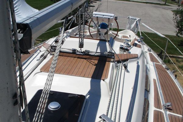 Used Bavaria 35 Cruiser Racer and Cruiser Sailboat For Sale