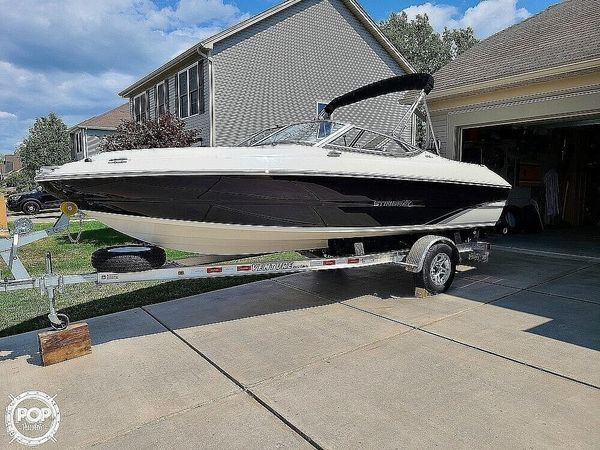 Used Stingray 198LX Bowrider Boat For Sale