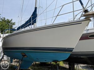 Used Catalina 28 Wing Keel Sloop Sailboat For Sale