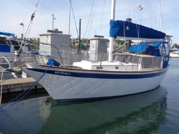 Used Endurance 35 Cruiser Sailboat For Sale