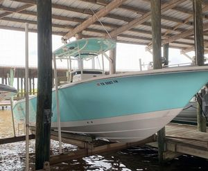 Used Sea Chaser 27HFC Center Console Fishing Boat For Sale