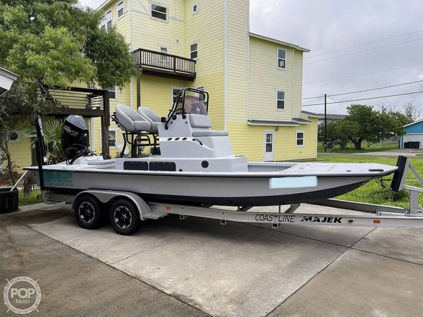 Used Majek M2 Illusion Center Console Fishing Boat For Sale