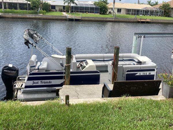 Used Fiesta Fun Deck Bowrider Boat For Sale