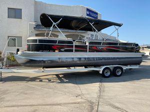 Used Bennington 2574GCW Pontoon Boat For Sale