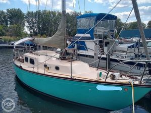 Used Alberg 30' Racer and Cruiser Sailboat For Sale