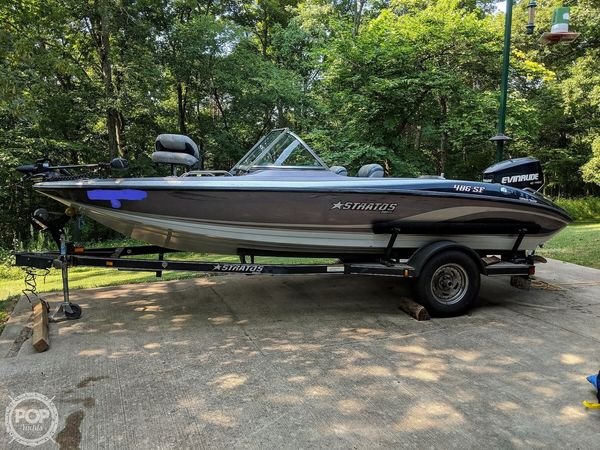 Used Stratos 486 SE Bowrider Boat For Sale
