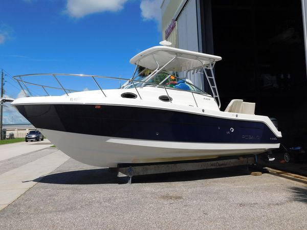 Used Robalo R305 Sports Fishing Boat For Sale