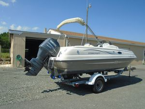 Used Starcraft Limited 2015 Deck Boat For Sale
