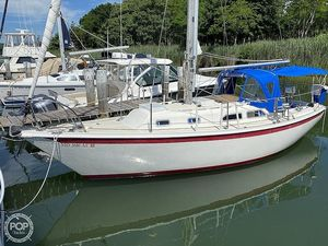 Used Ericson Yachts 29 Racer and Cruiser Sailboat For Sale
