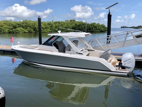 Used Tiara Sport 34LS Sports Cruiser Boat For Sale