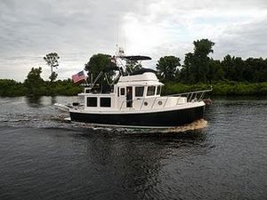 Used American Tug 34 Flybridge Tug Boat For Sale