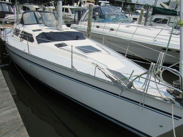 Used Hunter 42 Passage Center Cockpit Sailboat For Sale