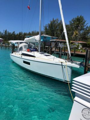Used Beneteau Oceanis 30 Racer and Cruiser Sailboat For Sale
