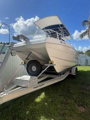 Used Carolina Cat 23CC Center Console Fishing Boat For Sale