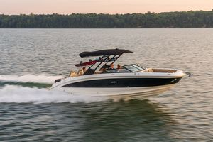 New Sea Ray 290SDX Express Cruiser Boat For Sale