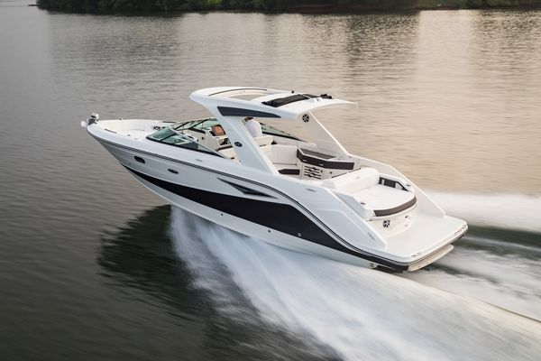 New Sea Ray 310SLX Express Cruiser Boat For Sale
