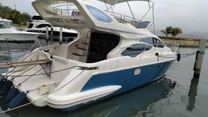 Used Azimut 43 FT Flybridge Boat For Sale