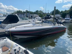 Used Renegade 33 CC Center Console Fishing Boat For Sale
