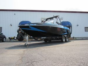 Used Axis Wake Research T22 Bowrider Boat For Sale