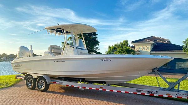 Used Boston Whaler 270 Dauntless High Performance Boat For Sale