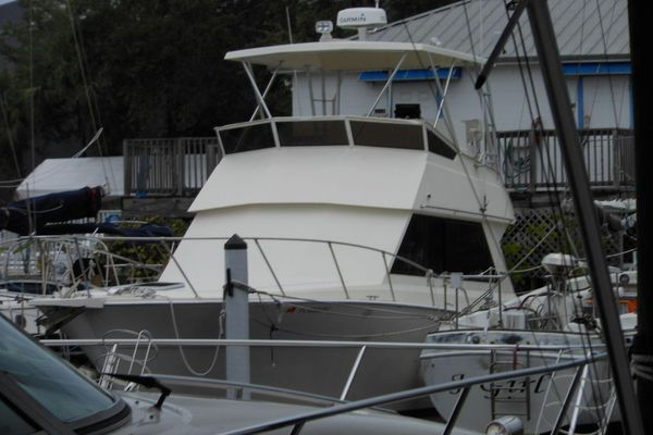 Used Viking 35 Flybridge Convertible Sports Fishing Boat For Sale