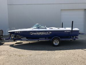 Used Moomba Outback Ski and Wakeboard Boat For Sale
