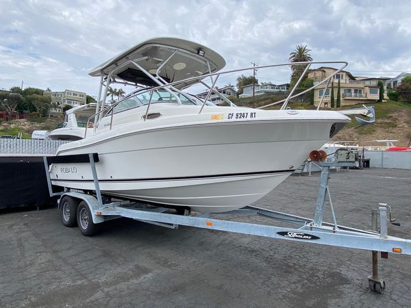 Used Robalo R225 FX Saltwater Fishing Boat For Sale