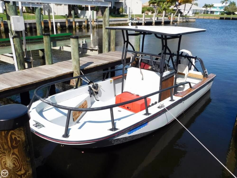 1984 Used Boston Whaler 20 Outrage Center Console Fishing
