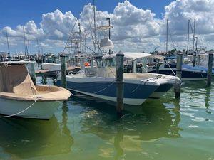 Used World Cat 320 CC Power Catamaran Boat For Sale