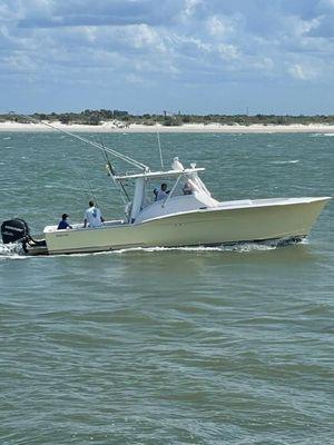 Used Jarrett Bay Center Console Fishing Boat For Sale