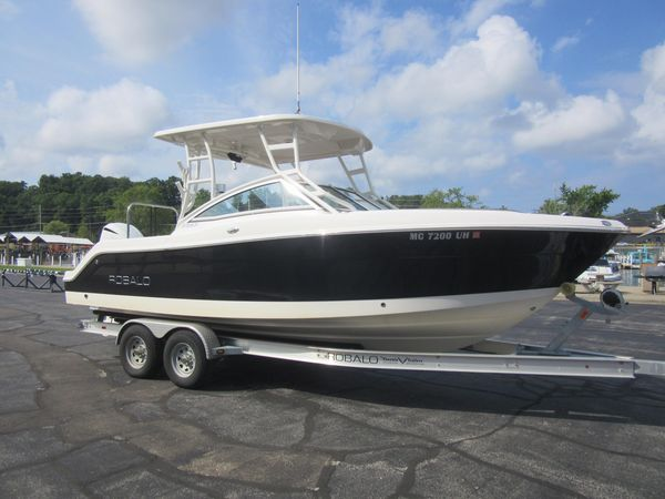 Used Robalo R247 Dual Console Dual Console Boat For Sale