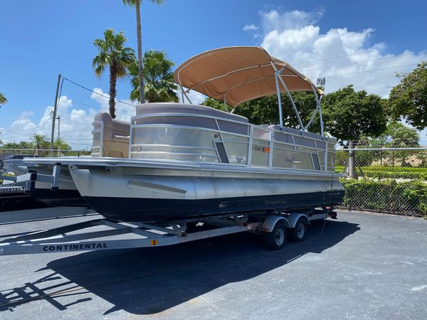 Used Sunchaser Geneva 22 Pontoon Boat For Sale