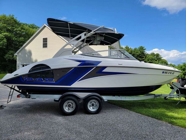 Used Yamaha Boats 242 Limited S Ski and Wakeboard Boat For Sale