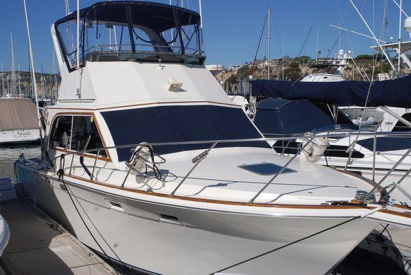 Used Egg Harbor 33 Convertible Flybridge Boat For Sale