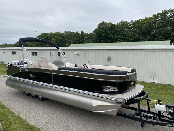 New Tahoe 2585 Cascade VRL Pontoon Boat For Sale