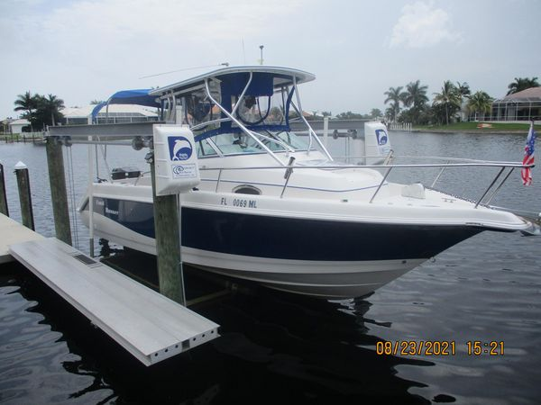 Used Pro Line 24 Walkaround Center Console Fishing Boat For Sale