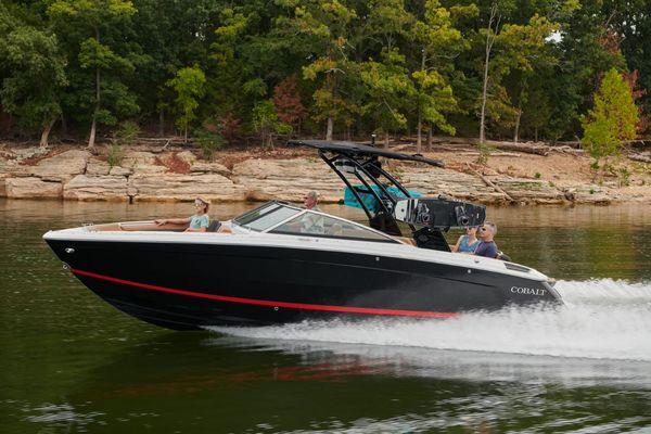 New Cobalt R8 Bowrider Boat For Sale