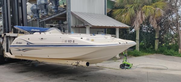 Used Hurricane 202FD Deck Boat For Sale