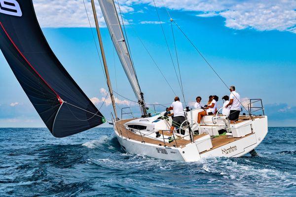 New Elan E5 Racer and Cruiser Sailboat For Sale
