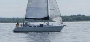 Used Freedom 38 Shoal Draft Cruiser Sailboat For Sale