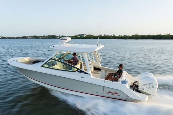 New Boston Whaler 280 Vantage Sports Fishing Boat For Sale