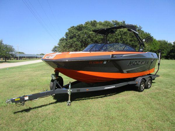 Used Moomba Max Moomba Ski and Wakeboard Boat For Sale