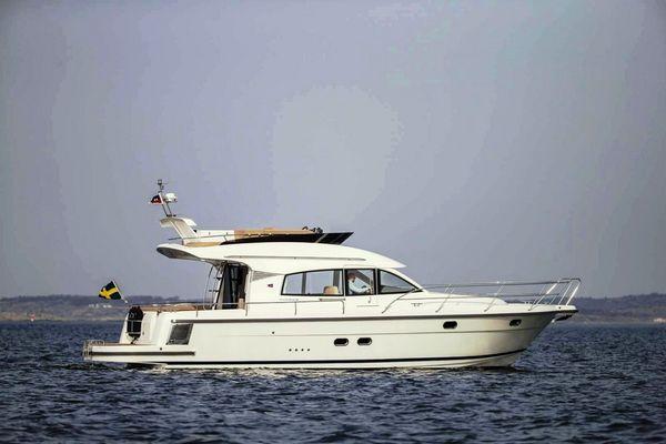 New Nimbus 405 Flybridge Boat For Sale
