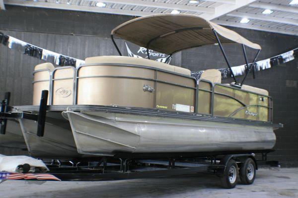 Used Manitou Aurora Pontoon Boat For Sale