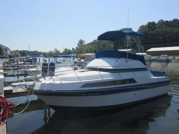 Used Carver 2767 Santego Mid Cabin Convertible Fishing Boat For Sale