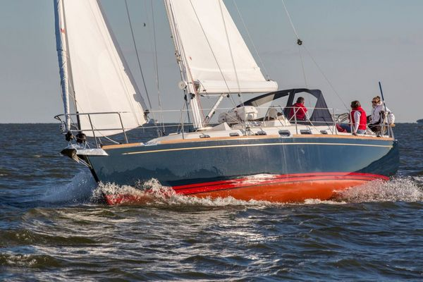 New Tartan 395 Racer and Cruiser Sailboat For Sale