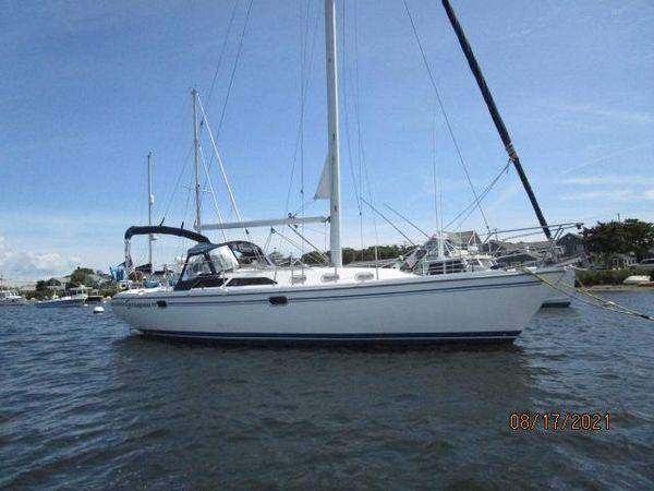 "Used Catalina ""34"" MK II Sloop Sailboat For Sale"