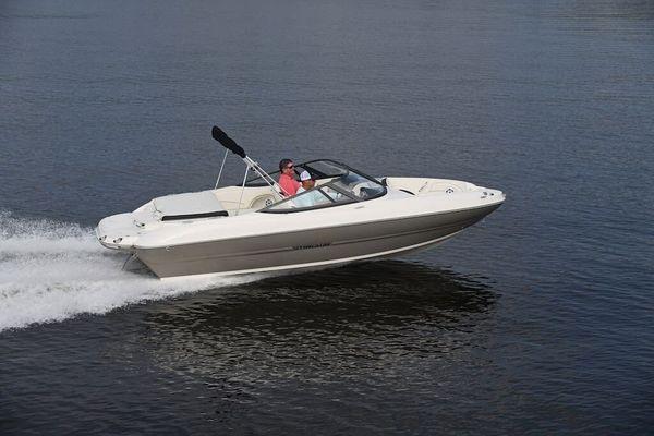 New Stingray 208LR Deck Boat For Sale