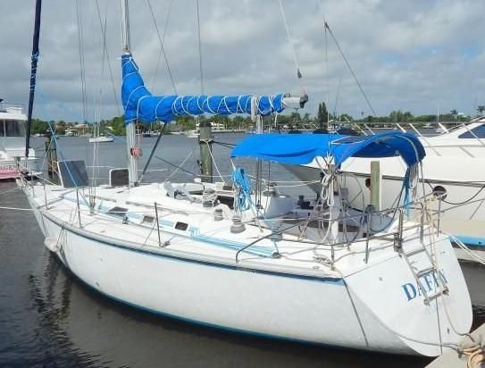 Used Hunter Legend Sailboat Motor Yacht For Sale